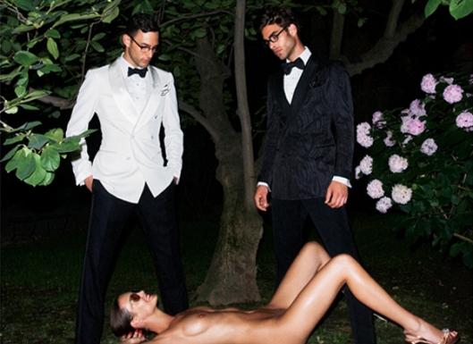 Nas campanhas do Tom Ford, a mulher sempre é retratada como um mero objeto sexual. Sempre à disposição dos machos.
