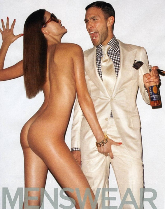 O homem outra vez simboliza o macho dominador, com a sua cerveja na mão, e a mulher representa o bicho sexual, a lasciva doadora de prazer, e nesse caso de dor também. Ela é tão agressiva que o cara até reclama, né?